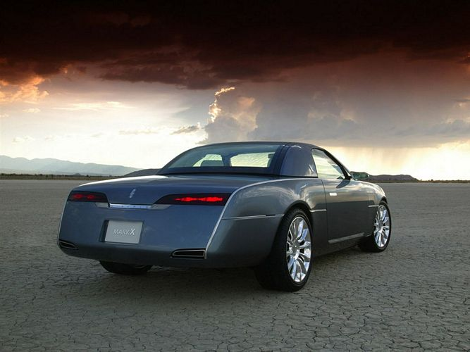 rear right 2004 Lincoln Mark X Concept Car Picture
